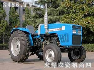 江苏-700型拖拉机